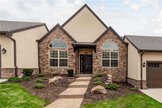 8130 W 131st Court, Overland Park, KS 66213 (#2159740) :: House of Couse Group