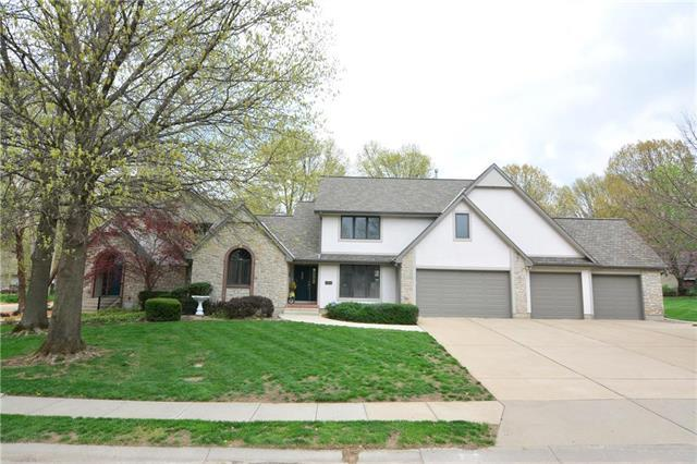 1005 Holly Avenue, Harrisonville, MO 64701 (#2159965) :: House of Couse Group