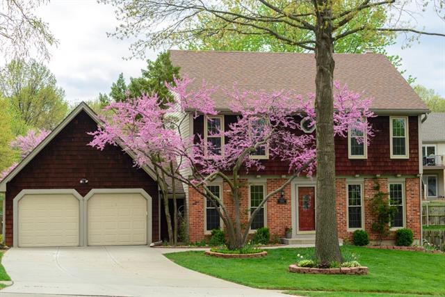 12601 W 77th Terrace, Lenexa, KS 66216 (#2159989) :: Team Real Estate