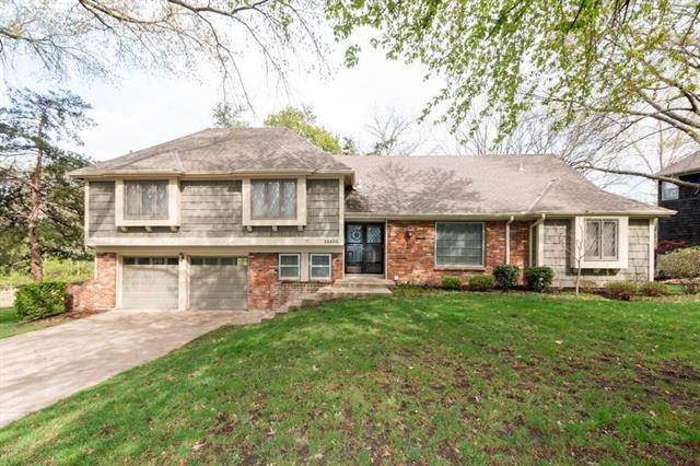 10230 Rosewood Drive, Overland Park, KS 66207 (#2160001) :: No Borders Real Estate