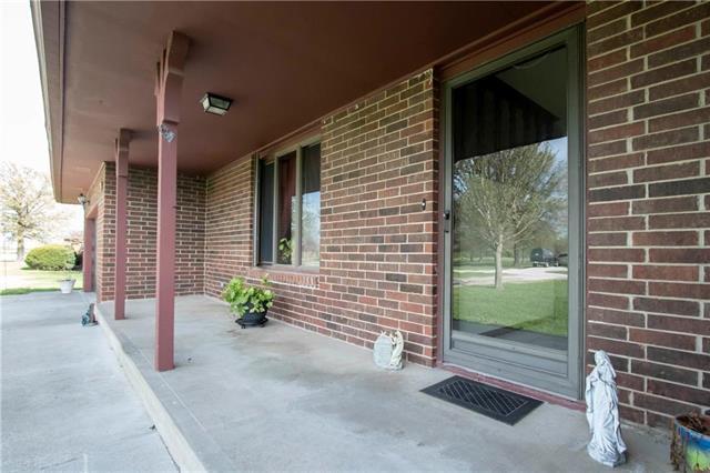 21155 975 Place, Pleasanton, KS 66075 (#2160036) :: No Borders Real Estate