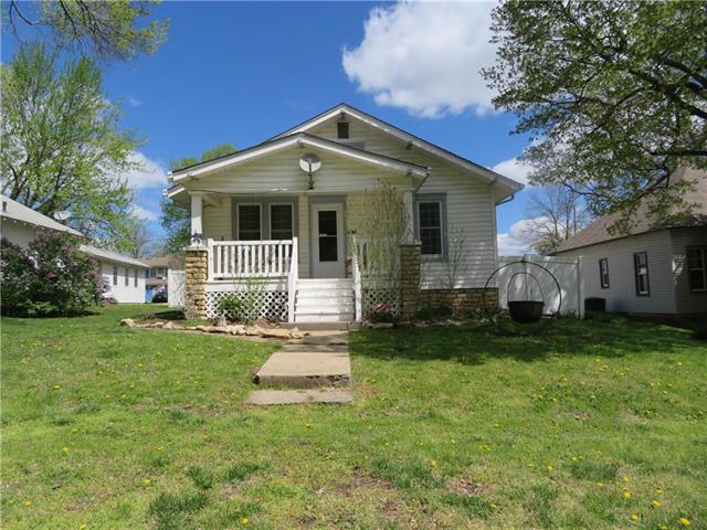 106 E Osage Street, Paola, KS 66071 (#2160053) :: No Borders Real Estate