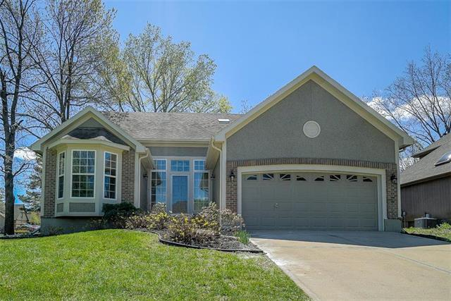 13001 W 118th Terrace, Overland Park, KS 66210 (#2160094) :: Team Real Estate