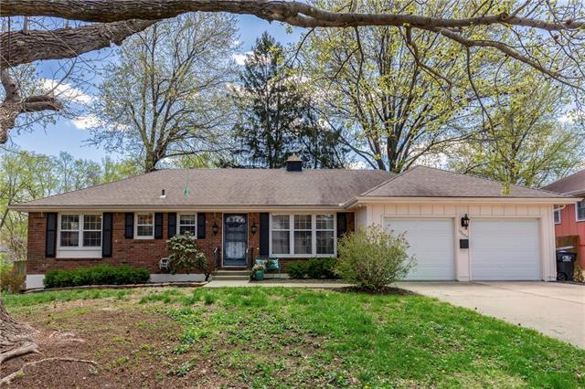10605 E 32nd Street, Independence, MO 64052 (#2160112) :: No Borders Real Estate