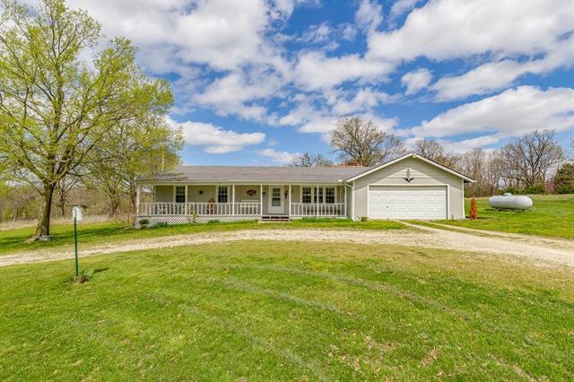 24210 E 267th Street, Harrisonville, MO 64701 (#2160117) :: House of Couse Group