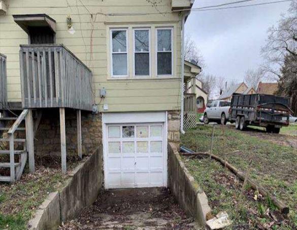 2437 E 67th Terrace, Kansas City, MO 64132 (#2160137) :: Team Real Estate