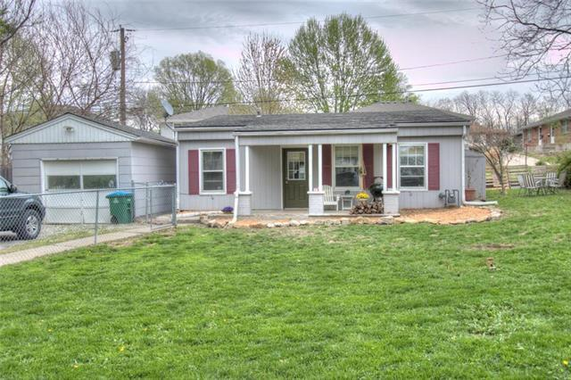 2715 S Sterling Avenue, Independence, MO 64052 (#2160139) :: Team Real Estate