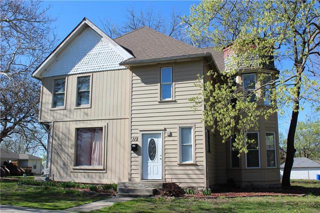 112 5th Street, Cameron, MO 64429 (#2160151) :: Eric Craig Real Estate Team