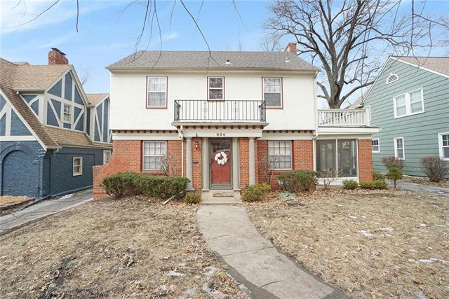 804 W Gregory Boulevard, Kansas City, MO 64114 (#2160155) :: House of Couse Group