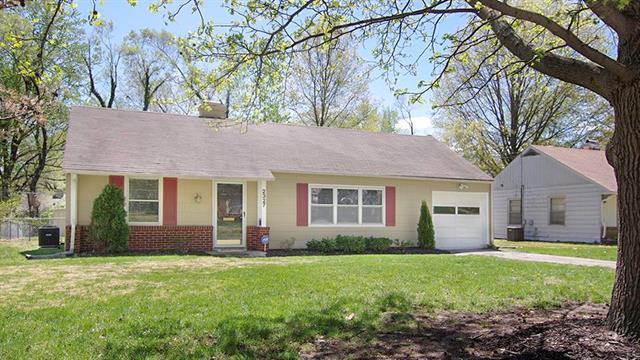 2327 W 76th Street, Prairie Village, KS 66208 (#2160164) :: Team Real Estate