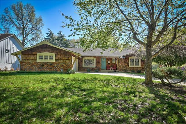 11605 Wornall Road, Kansas City, MO 64114 (#2160171) :: House of Couse Group