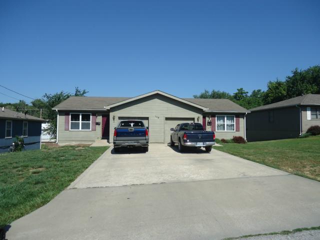 110 Persimmon Drive, Excelsior Springs, MO 64024 (#2160222) :: The Gunselman Team