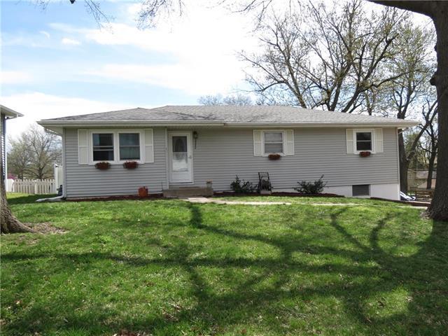 3322 Linda Lane Street, St Joseph, MO 64506 (#2160249) :: Team Real Estate