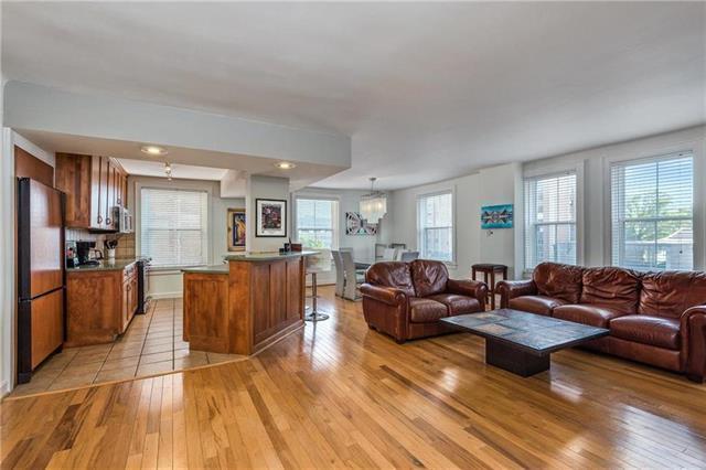 229 Ward Parkway 803B, Kansas City, MO 64112 (#2160306) :: No Borders Real Estate
