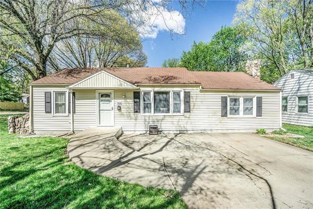 7528 Robinson Street, Overland Park, KS 66204 (#2160329) :: No Borders Real Estate