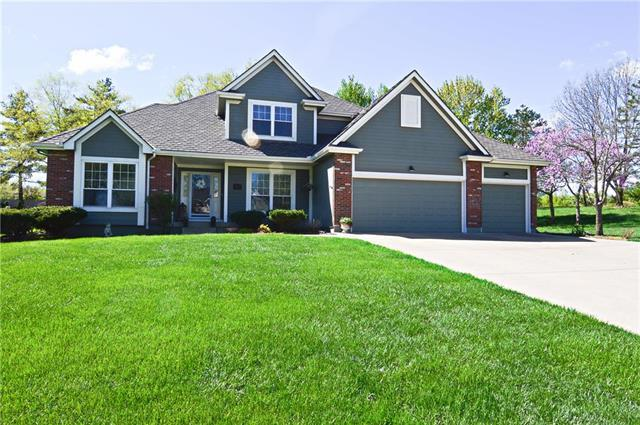 16401 NW Poplar Street, Kansas City, MO 64136 (#2160344) :: House of Couse Group