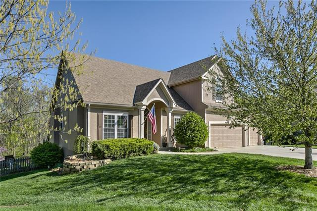 5312 Lewis Court, Shawnee, KS 66226 (#2160353) :: House of Couse Group