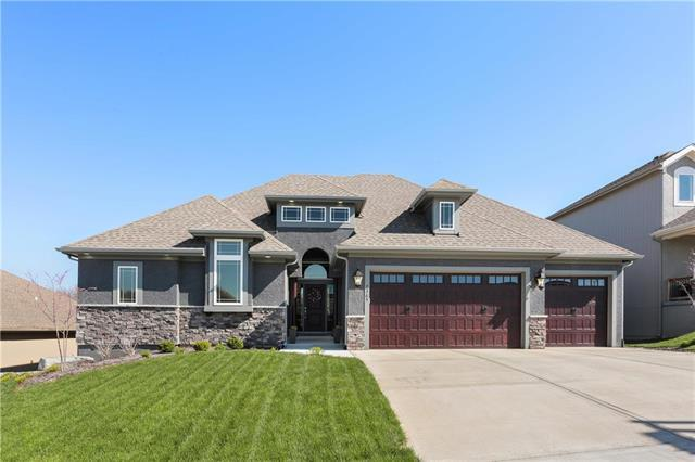 7365 NW Forest Lakes Drive, Parkville, MO 64152 (#2160376) :: Eric Craig Real Estate Team