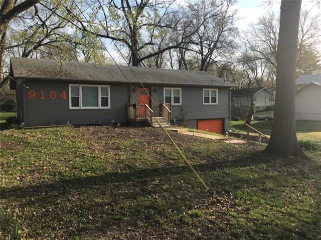 9104 E 82nd Street, Raytown, MO 64138 (#2160377) :: No Borders Real Estate