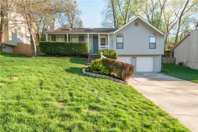 10501 NW 57th Terrace, Parkville, MO 64152 (#2160395) :: Eric Craig Real Estate Team