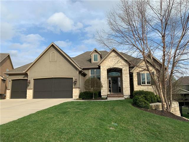 11411 W 165th Terrace, Overland Park, KS 66221 (#2160432) :: The Shannon Lyon Group - ReeceNichols