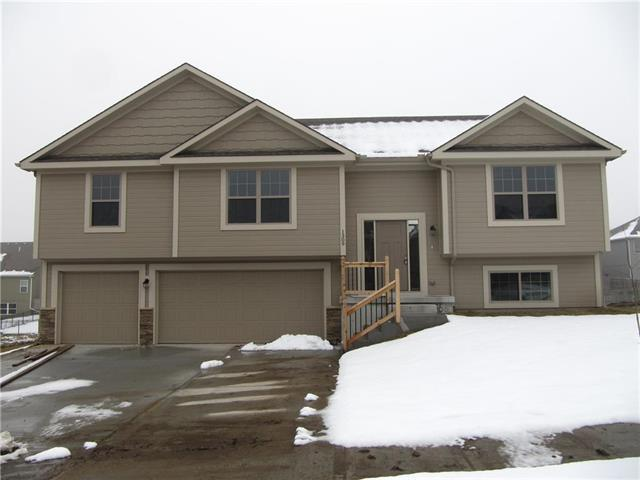 1294 NW Lindenwood Drive, Grain Valley, MO 64029 (#2160448) :: House of Couse Group