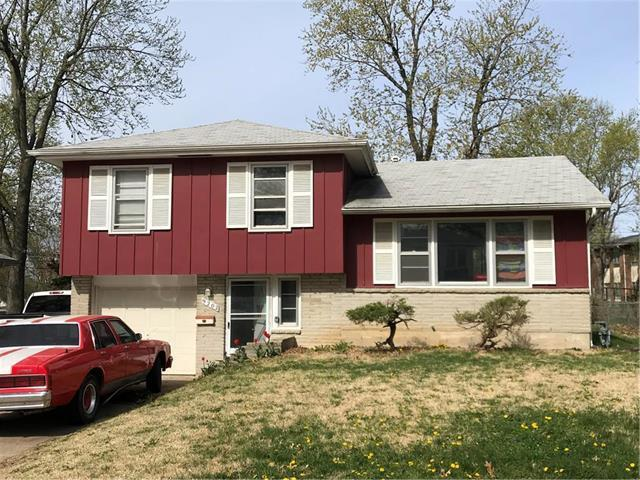 9202 Manchester Avenue, Kansas City, MO 64138 (#2160450) :: House of Couse Group