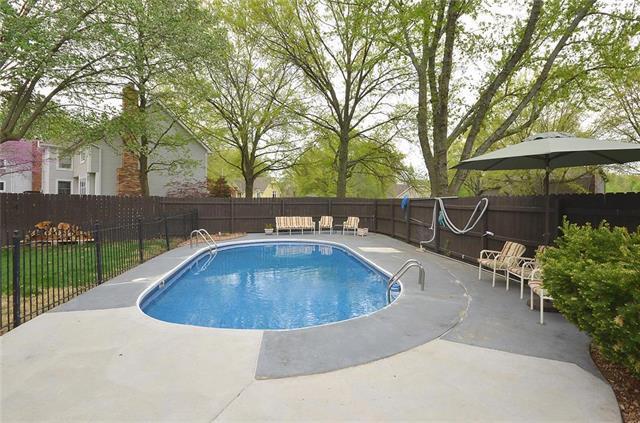 16301 W 144th Street, Olathe, KS 66062 (#2160520) :: No Borders Real Estate