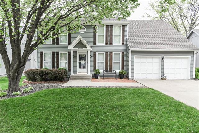 15220 W 84TH Terrace, Lenexa, KS 66219 (#2160550) :: NestWork Homes