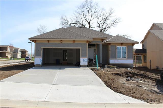 24301 W 91st Terrace, Lenexa, KS 66227 (#2160572) :: House of Couse Group