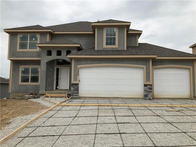 4506 NE 67th Terrace, Kansas City, MO 64119 (#2160584) :: House of Couse Group
