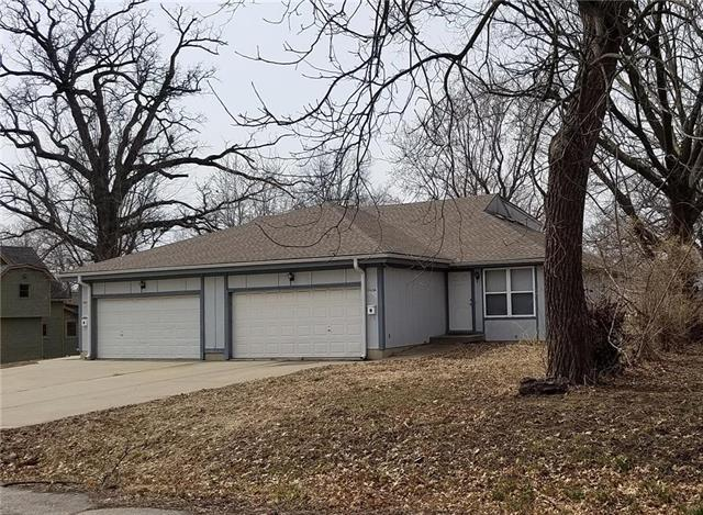 2440 S Claremont Avenue, Independence, MO 64052 (#2160595) :: The Shannon Lyon Group - ReeceNichols