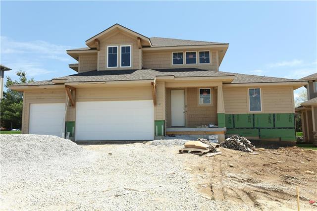 9831 Brockway Street, Lenexa, KS 66220 (#2160659) :: No Borders Real Estate