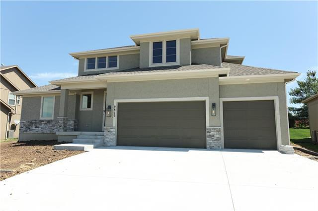 9819 Brockway Street, Lenexa, KS 66220 (#2160662) :: No Borders Real Estate