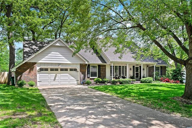 12609 Ensley Lane, Leawood, KS 66209 (#2160672) :: House of Couse Group