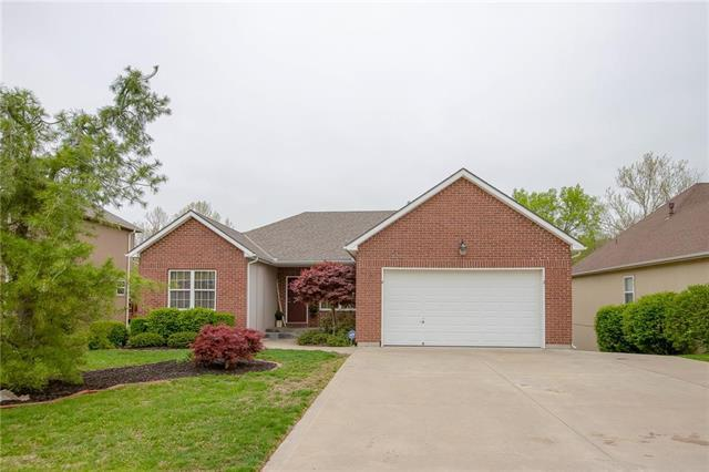 19613 E 11th Terrace, Independence, MO 64056 (#2160675) :: House of Couse Group