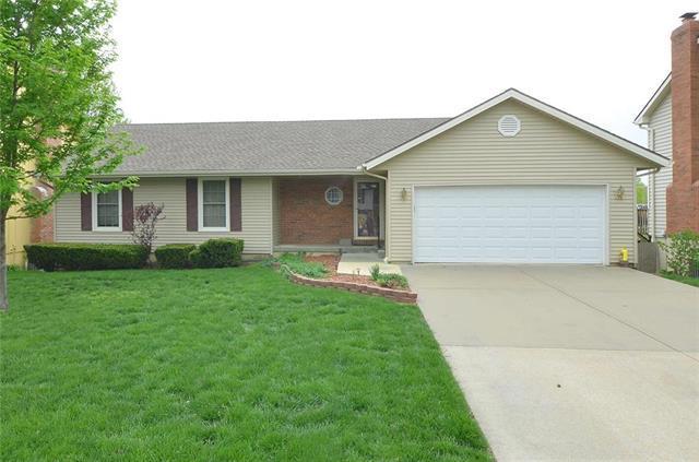 1609 Tudor Lane, Liberty, MO 64068 (#2160717) :: Eric Craig Real Estate Team