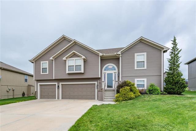 10827 N Palmer Avenue, Kansas City, MO 64157 (#2160738) :: Eric Craig Real Estate Team