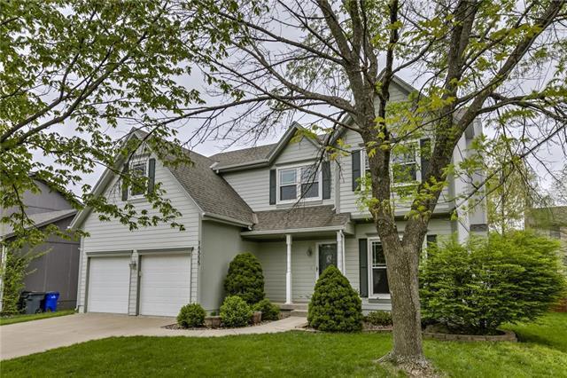 16555 W 153rd Street, Olathe, KS 66062 (#2160764) :: NestWork Homes
