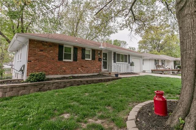 525 S Stevenson Street, Olathe, KS 66061 (#2160775) :: NestWork Homes