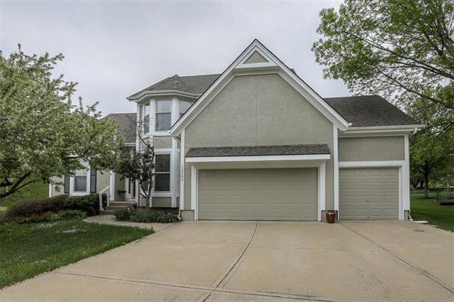 12704 Carter Street, Overland Park, KS 66213 (#2160796) :: NestWork Homes