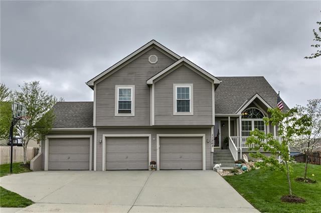11263 N Holly Street, Kansas City, MO 64155 (#2160959) :: NestWork Homes