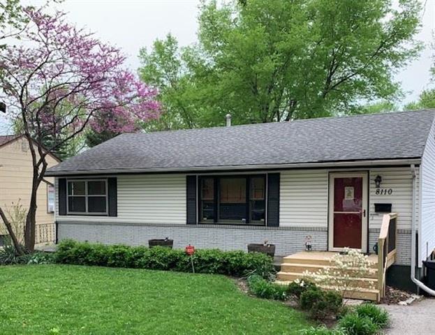 8110 Oak Street, Kansas City, MO 64114 (#2160975) :: Clemons Home Team/ReMax Innovations
