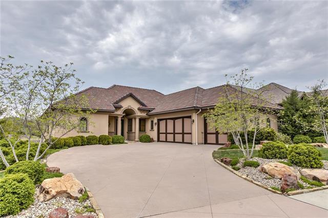 9274 Cottonwood Canyon Drive, Lenexa, KS 66219 (#2160998) :: Eric Craig Real Estate Team