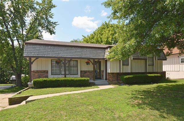 1515 NW 64th Terrace, Kansas City, MO 64118 (#2161046) :: House of Couse Group