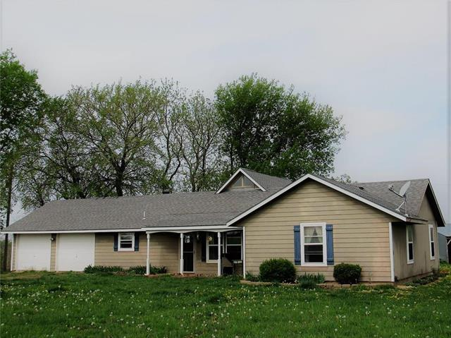 6384 E 221st Street, Quenemo, KS 66528 (#2161112) :: House of Couse Group