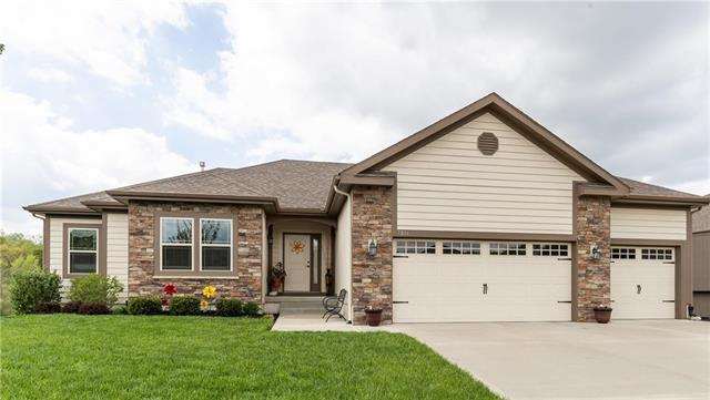 7816 N Walrond Avenue, Kansas City, MO 64119 (#2161114) :: The Gunselman Team