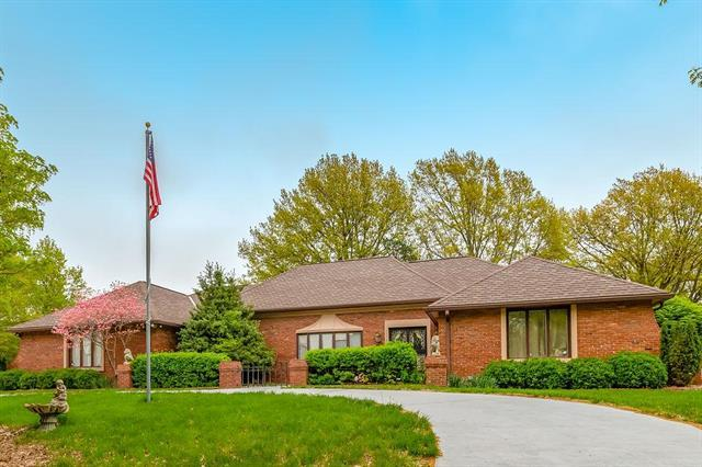 11705 Washington Street, Kansas City, MO 64114 (#2161119) :: House of Couse Group