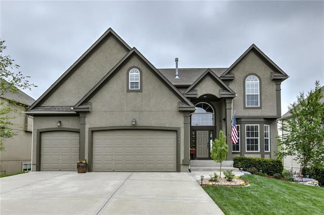 21141 W 114 Terrace, Olathe, KS 66061 (#2161155) :: Eric Craig Real Estate Team