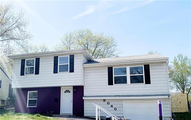 8040 NE San Rafael Drive, Kansas City, MO 64119 (#2161158) :: Eric Craig Real Estate Team